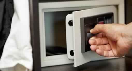 ouverture de coffre digital bloqu acial cons gudes 06510 04 28 31 08 06 serrurier 24h 24 7j 7. Black Bedroom Furniture Sets. Home Design Ideas